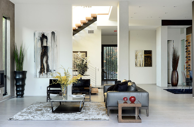 Harper los angeles contemporary living room other for Family room los angeles