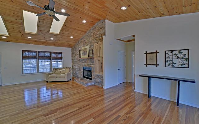 Helen Georgia Custom Homes Contemporary Living Room