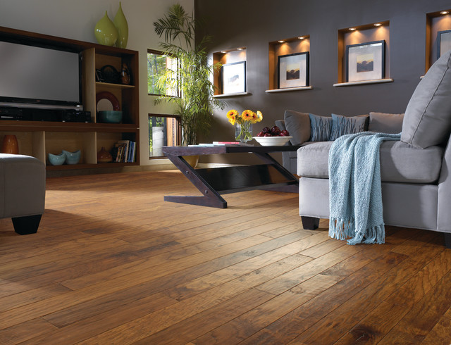 Hickory wood floor living room contemporary living for Living room ideas oak flooring