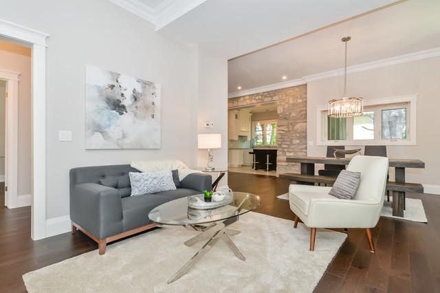 Trendy living room photo in Toronto