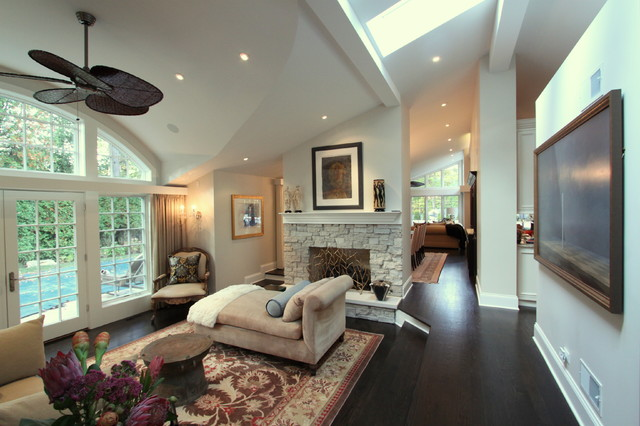 Highland Park Residence traditional-living-room
