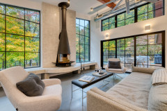 Houzz Tour: Modern Reboot for a Hudson Valley Getaway