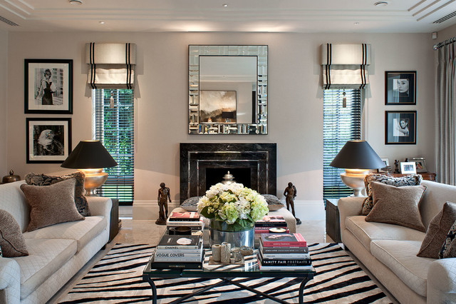 Merveilleux Example Of A Classic Living Room Design In London