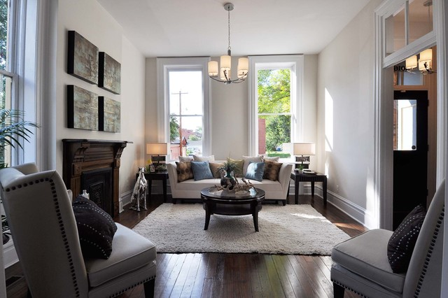 Historic Benton Park on McNair traditional-living-room