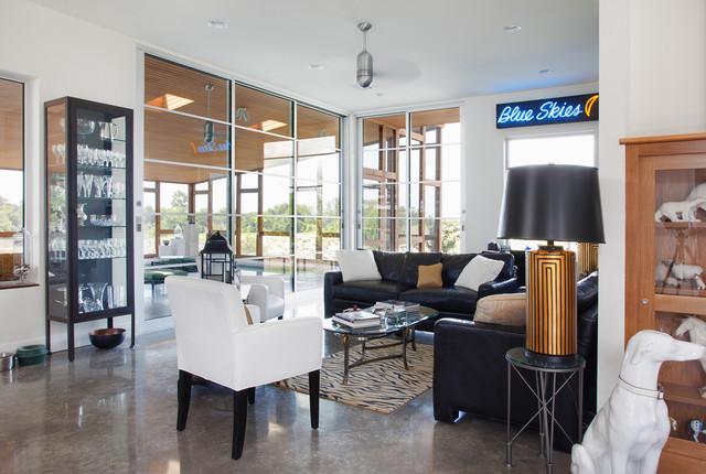 Hoffmanresidence-LivingRoomToPool_website.jpg modern-living-room