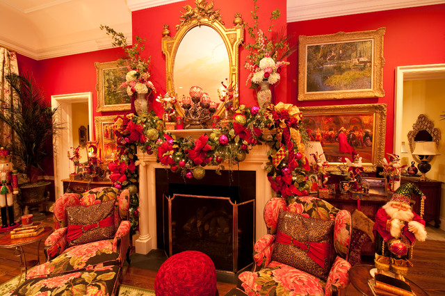 Holiday Installation Grand Colonial traditional-living-room
