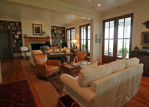 Langwerpige Woonkamer Inrichten : Living Room with Fireplace