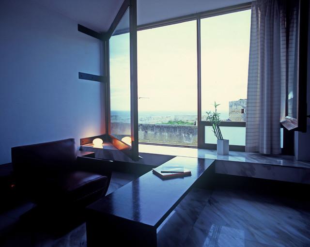Homepad contemporary-living-room