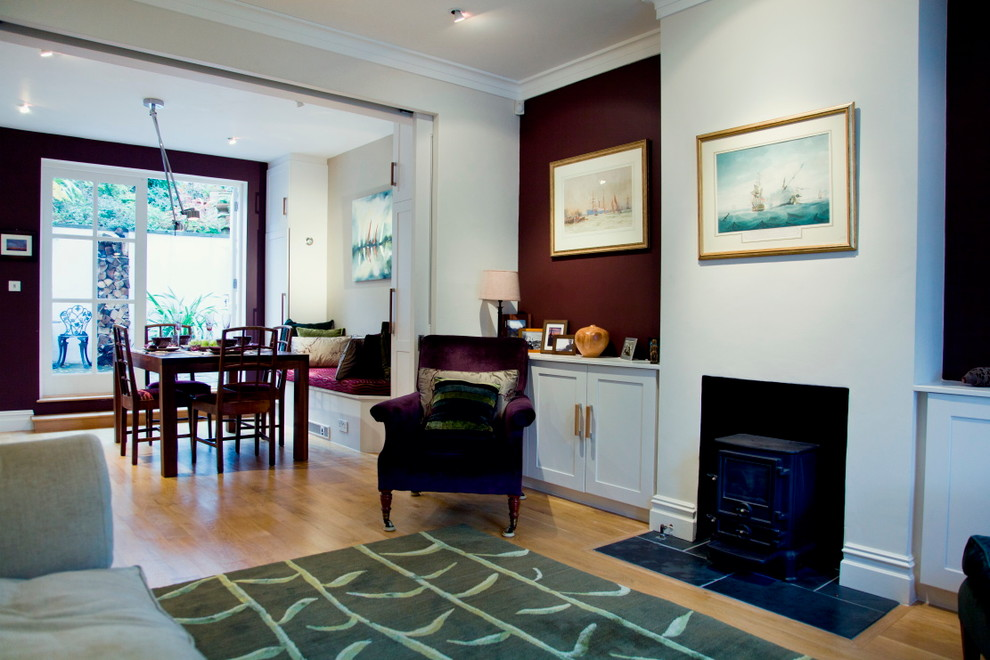 Inspiration for a timeless living room remodel in London