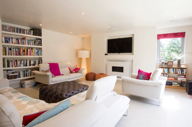 House for art lovers contemporary-living-room
