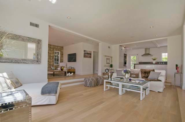 House in Hollywood Hills (american kitchen)