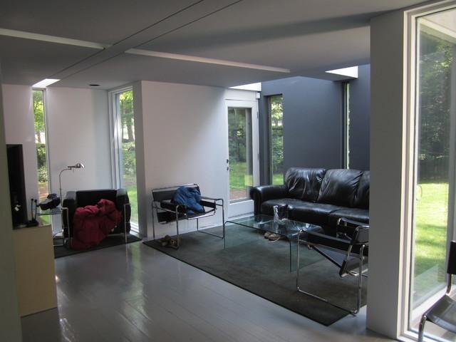 Grey green bathroom - House Vi Modern Living Room New York By Green View