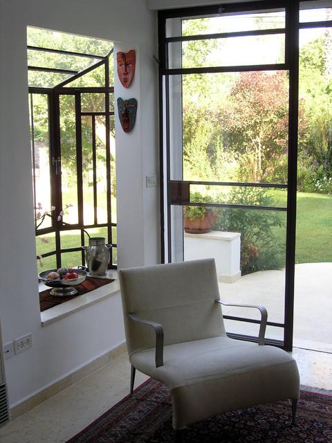 House with garden near tel aviv for Garden rooms near me