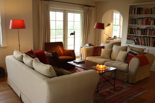 Houzz tour cozy living in a canadian cottage in holland 39 s green heart traditional living - Cosy living room designs ...