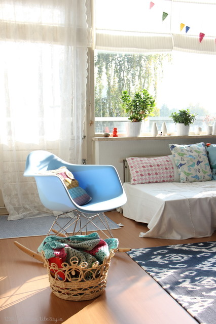 Houzz Tour: Vintage inspired apartment shines with creativity eclectic living room