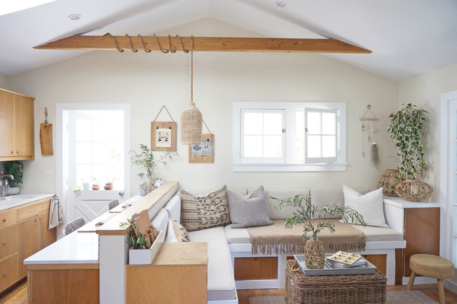 Inspiration for a living room remodel in Los Angeles