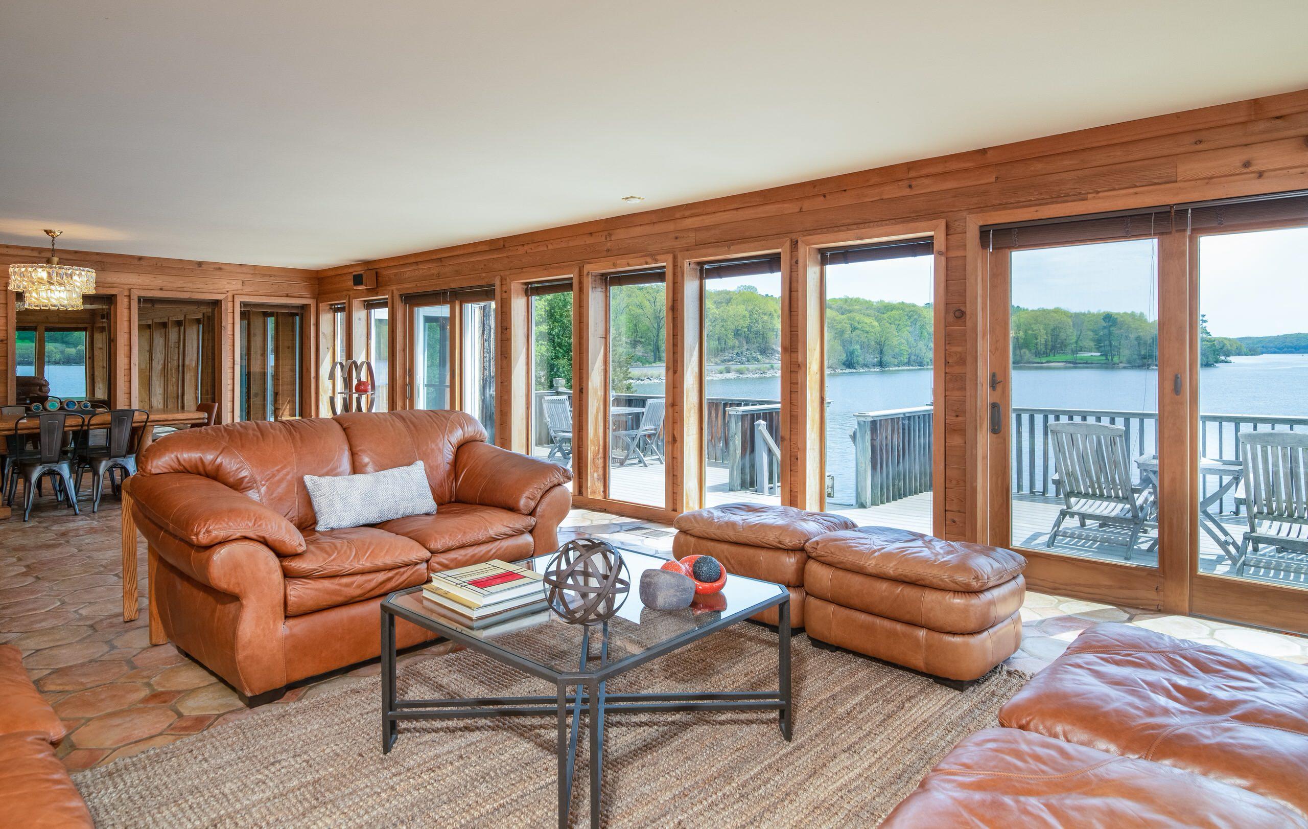 Hudson River Staging