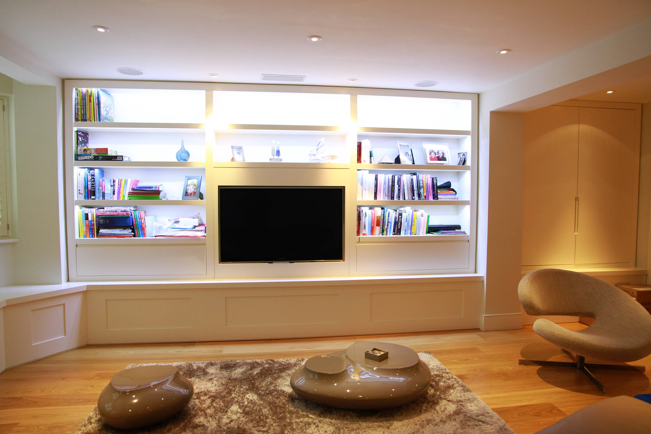 75 Beautiful Small Living Room With A Media Wall Pictures Ideas April 2021 Houzz