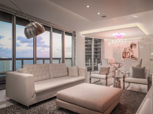 Icon Brickell apartment contemporary-living-room