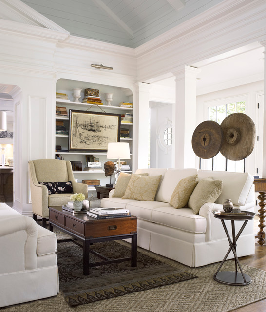 Attrayant Example Of A Classic Living Room Design In Atlanta With White Walls