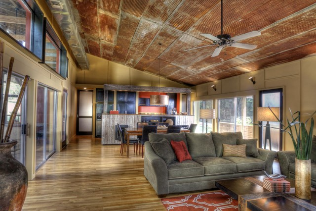 Interior : industrial living room from www.houzz.com size 640 x 426 jpeg 91kB