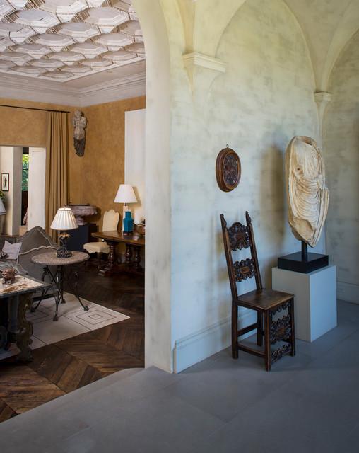 Italian tuscan villa style inspired home mediterr neo - Salon mediterraneo ...