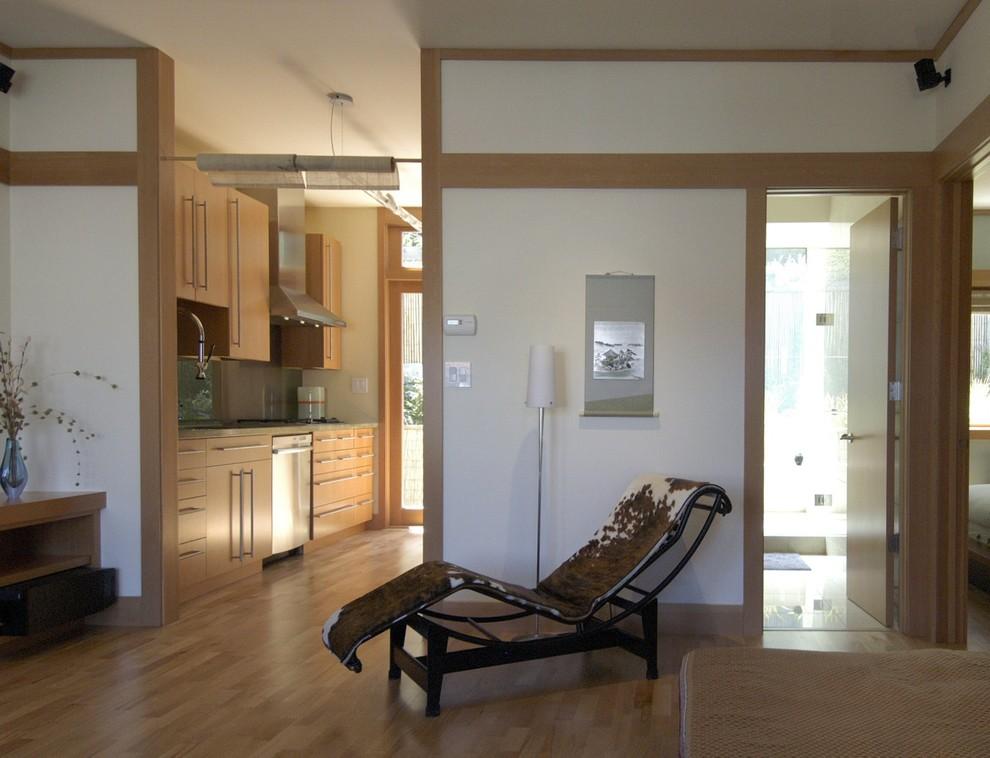 Living room - living room idea in San Francisco