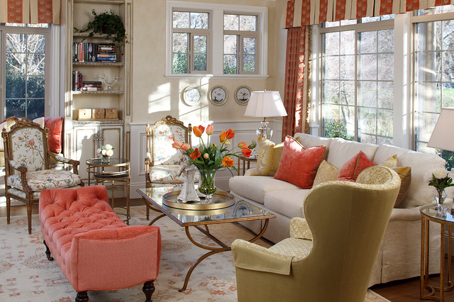 traditional living room by Julie Mifsud