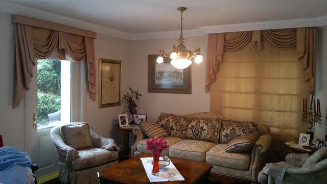 Kandilli (curtain) traditional-living-room