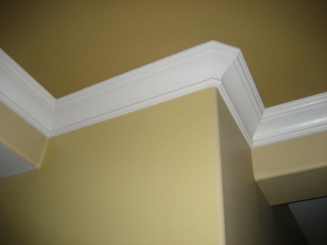King George Crown Moulding - Traditional - Living Room - phoenix - by ...