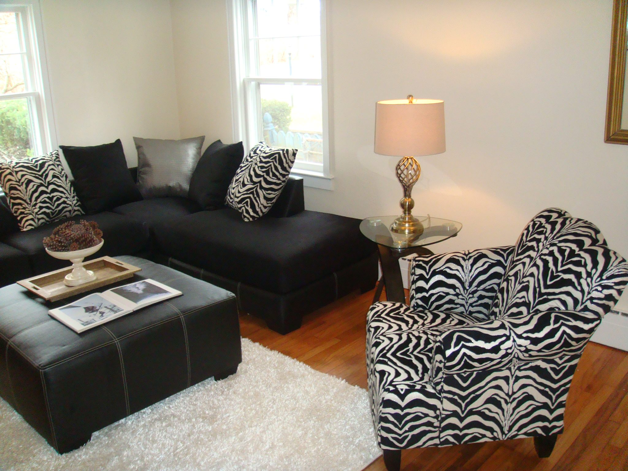 KINGSTON STAGING & REDESIGN