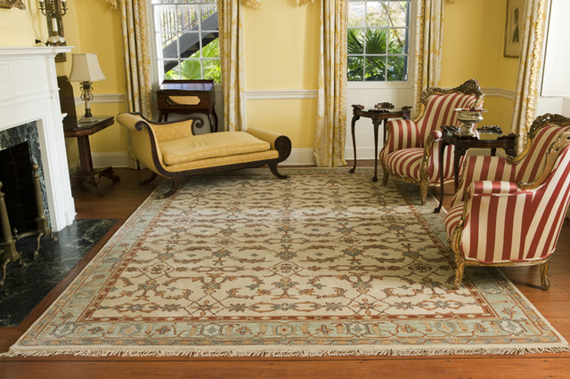 Kirman, Cream traditional living room