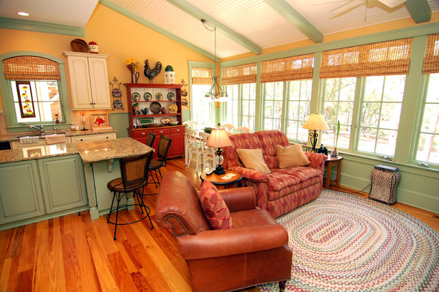 www houzz com photos traditional living room kitchen and sitting area 27310