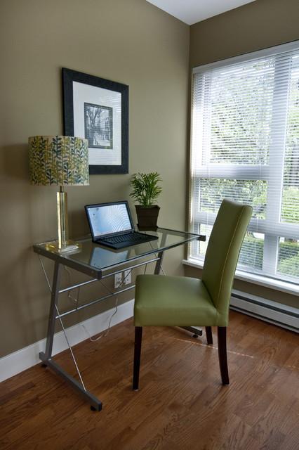 Kitsilano 2 Bedroom Condo modern-living-room