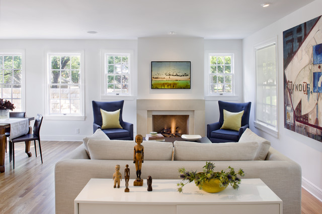 Modern Living Room by Texas Construction Company