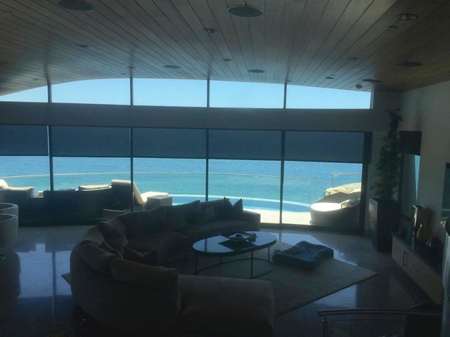 Example of a coastal living room design in Orange County
