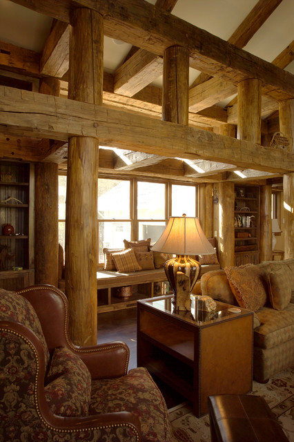 Lake Charlevoix Vacation Home rustic-living-room
