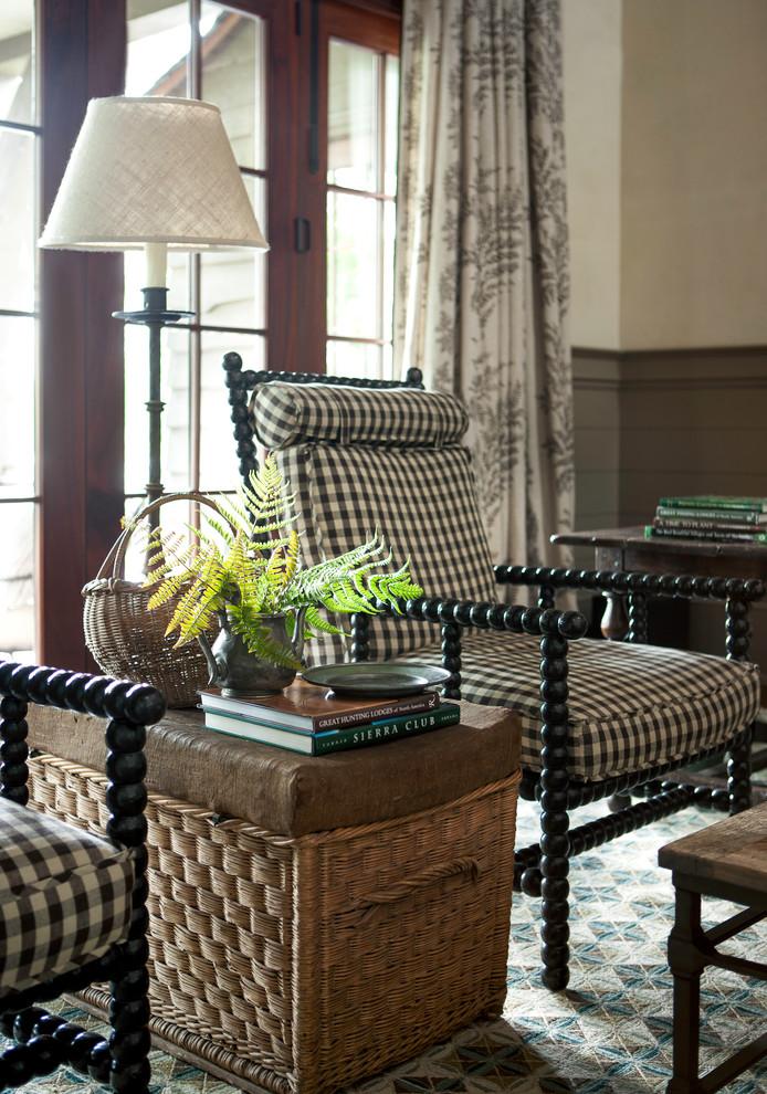 Inspiration for a living room remodel in Atlanta
