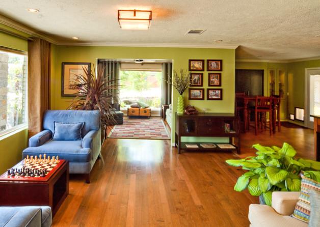 Landscaper 39 S Green Modern Living Room Houston By