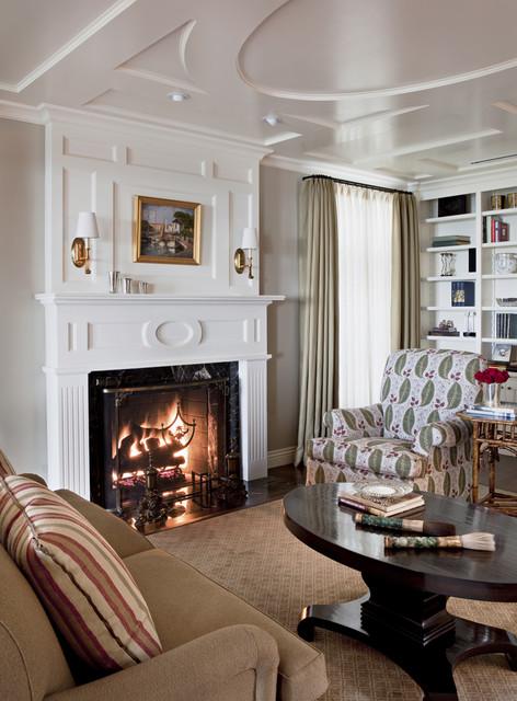 Larmar traditional-living-room