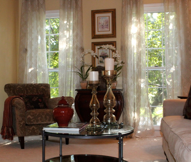 Living in your house vs Marketing your house to sell traditional-living-room