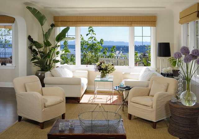 Leschi traditional living room