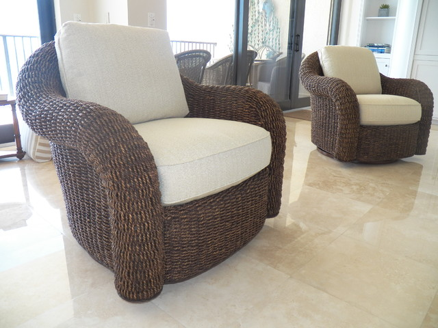 Lexington Tommy Bahama Swivel Chairstropical Living Room Miami