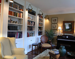 Deerfield traditional living room