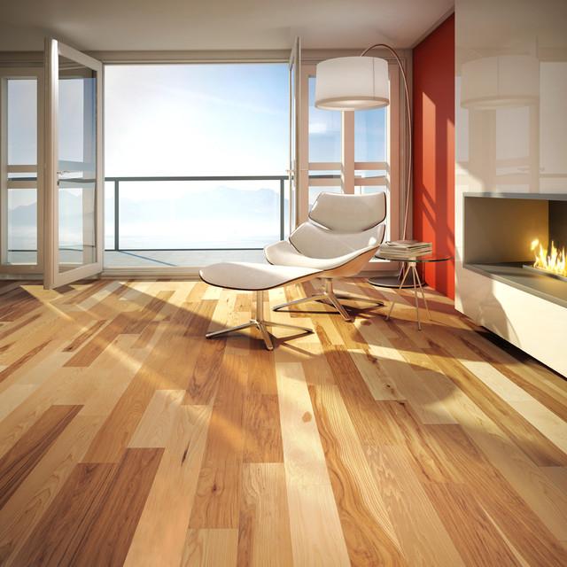 Natural mira hardwood flooring bedroom beach style for Hardwood floors montreal