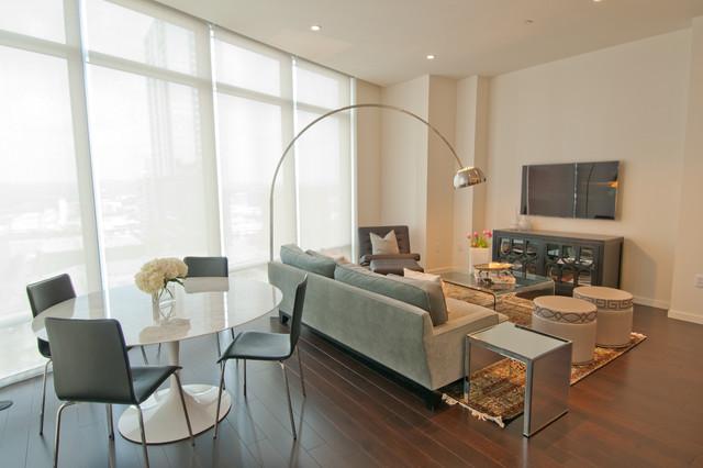 Living high rise contemporary living room austin for Interior design moderno e contemporaneo