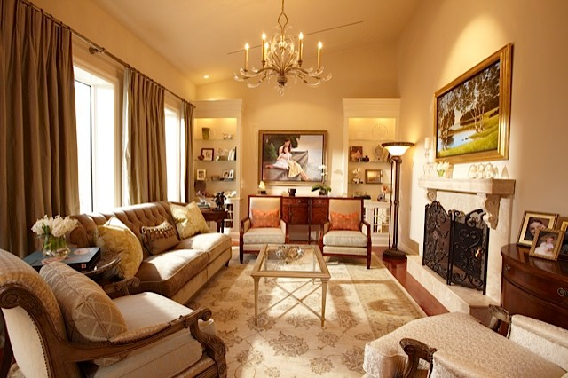 Living Luxury Traditional Living Room Toronto By Joanne Jakab Interior Design Houzz Ie