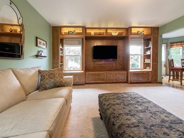 Living Room Built In Media Center