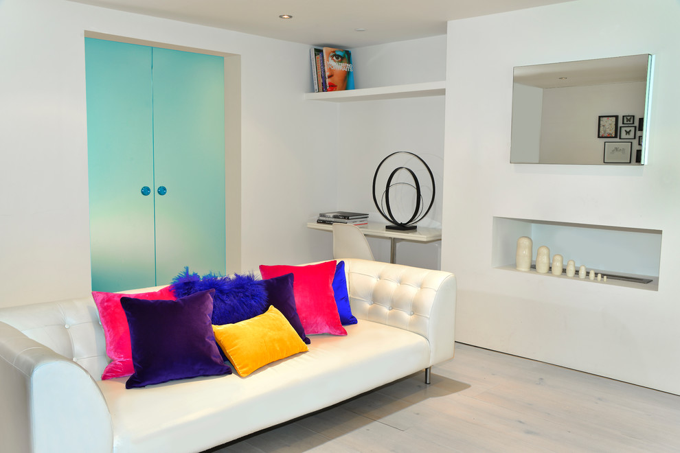 Living room - contemporary living room idea in London