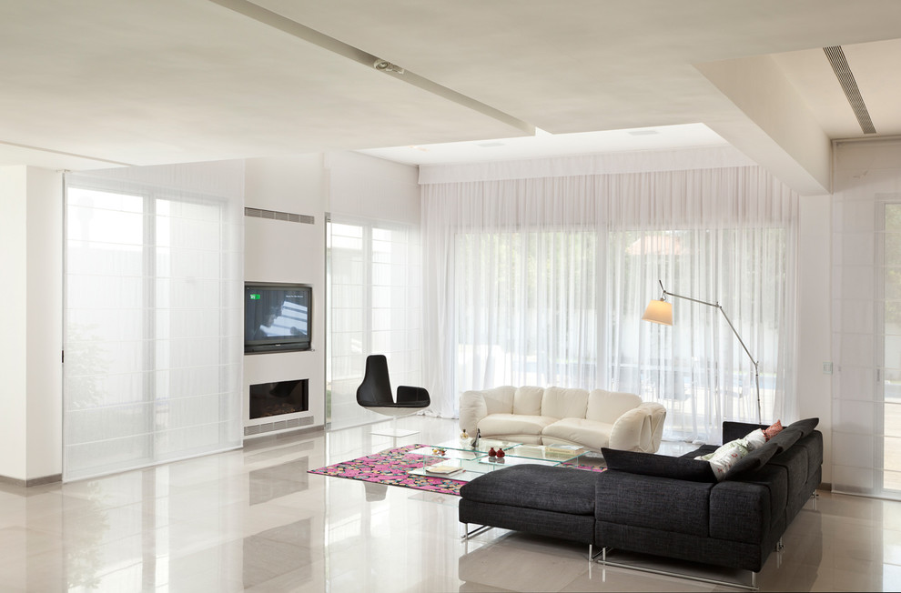Example of a minimalist living room design in Other